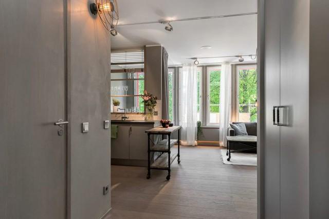Được thiết kế như một căn studio thu nhỏ, căn hộ chỉ có một phòng duy nhất nhưng mỗi một khu vực lại đảm nhiệm một chức năng riêng khiến nó trở nên vô cùng thuận tiện cho chủ nhà.