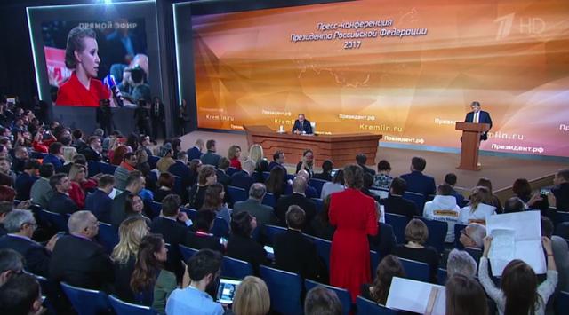 Bà Ksenia Sobchak nêu câu hỏi cho ông Putin