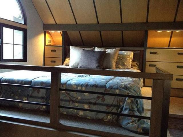 Không gian nghỉ ngơi thoáng đẹp và thoải mái cho chủ nhà.