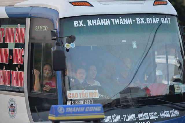Hà Nội: Tắc khắp ngả, đông nghẹt bến xe trước nghỉ lễ - Ảnh 11.