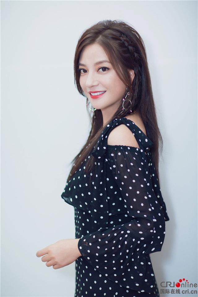 Triệu Vy là một trong những sao có cát-xê cao nhất showbiz Hoa Ngữ hiện nay.