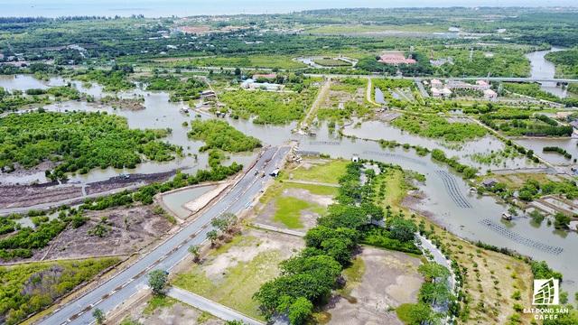 Được quy hoạch khá rộng, tiếp cận sông, biển rất thuận tiện nhưng đến nay dự án này vẫn không một bóng người.