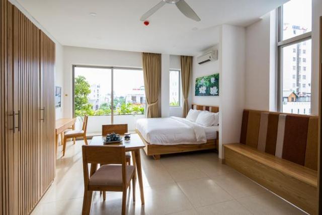 Các phòng dành riêng cho khách nghỉ ngơi đều được thiết kế tuyệt đẹp với cửa kính rộng tràn ngập ánh sáng và cây xanh.