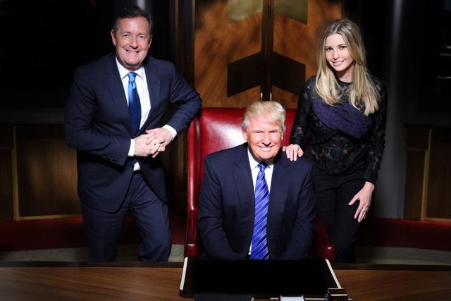 """Từ trái sang phải là Piers Morgan, Donald Trump, và Ivanka Trump của chương trình của The Apprentice"""" năm 2007. Ảnh: NBC"""