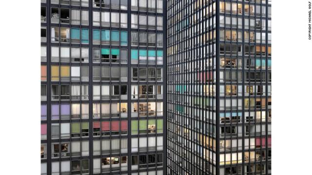 Bộ ảnh Transparent City (Thành phố trong suốt) ghi lại kiến trúc và cuộc sống ở Chicago, Mỹ.