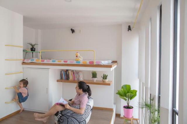 Đây là không gian nghỉ ngơi riêng tư tuyệt đẹp của hai vợ chồng và em bé.