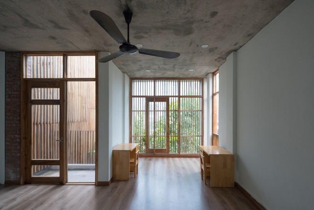 Nội thất được thiết kế đơn giản, gọn nhẹ nhưng luôn bảo đảm đầy đủ nhu cầu sinh hoạt cho cả gia đình.