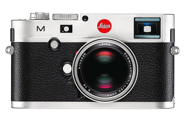Máy ảnh Leica mạ bạc trị giá 5.550 bảng Anh