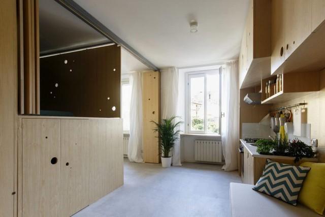 Không chỉ phòng ngủ, hệ cửa gấp lớn nơi cuối nhà còn giúp phân chia không gian vô cùng linh hoạt.
