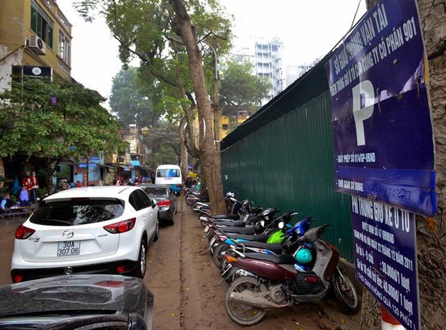 Đoạn đường đỗ xe ô tô có thu phí