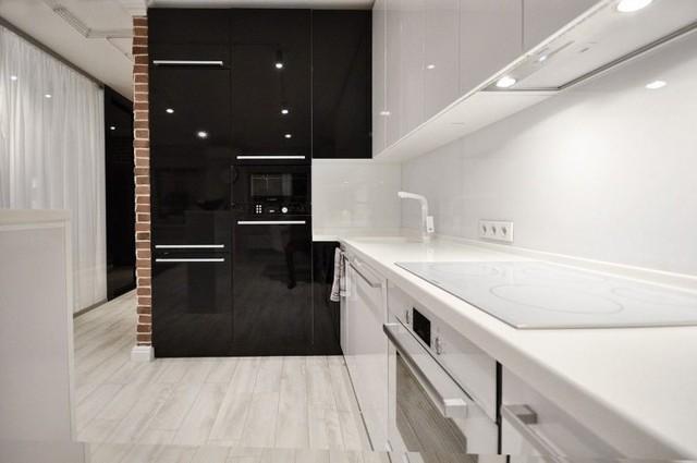 Không gian nấu nướng và tủ bếp tiên tiến.
