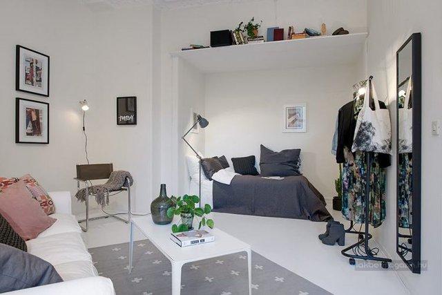 Mặc dù sắc trắng bao phủ toàn bộ không gian căn phòng nhưng chúng ta vẫn cảm nhận được một vẻ đẹp dịu, ấm áp.