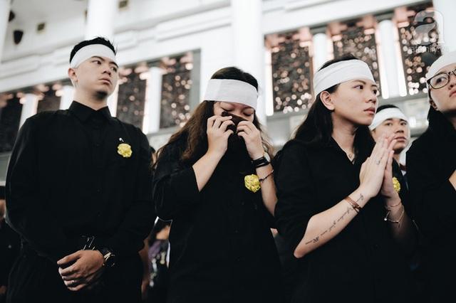 Những hình ảnh xúc động trong lễ tang nhà giáo Văn Như Cương - Ảnh 14.