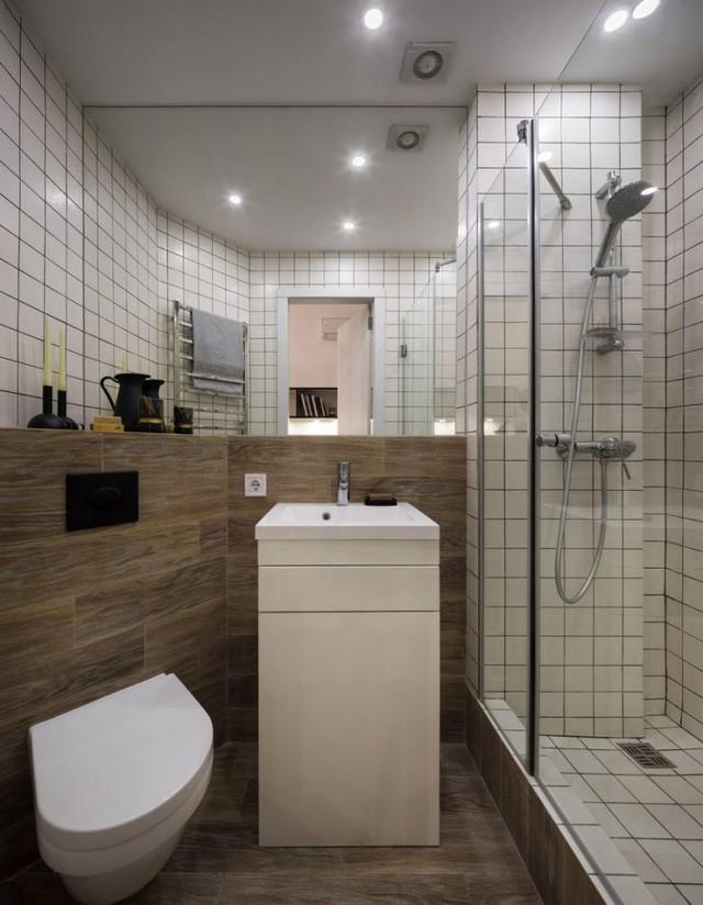 Khu nhà tắm được dành riêng một phòng riêng biệt.