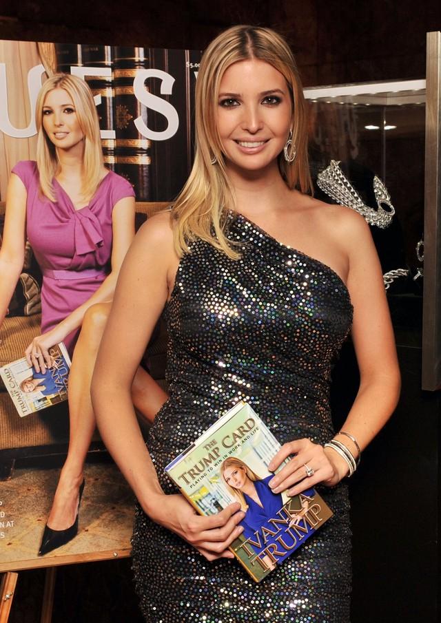 """Ivanka Trump trong buổi ra mắt cuốn sách """"The Trump Card"""" vào 14/10/2009. Ảnh: Getty Images."""