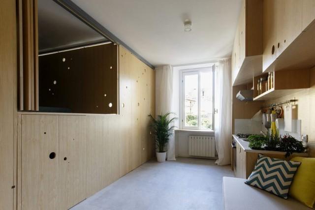 Một nửa của căn hộ bị bịt kín bởi những cánh cửa gấp. Một ý tưởng ngăn phòng tuyệt vời cho những căn hộ nhỏ!