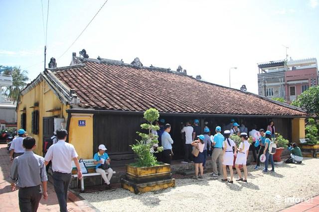 Ngôi nhà này được phân tích là sự hội tụ nhiều nhân tố văn hóa khác nhau, thích hợp có điều kiện môi trường xung quanh khí hậu thổ nhưỡng. Đồng thời nghệ thuật chạm trổ của ngôi nhà đã đạt đến đỉnh cao về nghệ thuật điêu khắc gỗ ở thế kỷ XIX, có phong một vàih đặc trưng của địa phương.