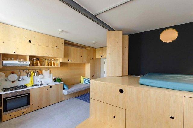 Dù diện tích nhỏ nhưng căn hộ có đầy đủ mọi không gian chức năng: phòng khách, bếp, khu vệ sinh, phòng ngủ, góc làm việc.