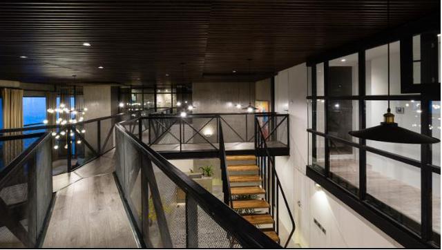Tầng 2 của căn hộ là 4 phòng ngủ lớn cùng các khu vệ sinh.