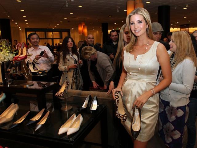 Ivanka Trump tham dự buổi ra mắt bộ sưu tập giày mùa xuân năm 2011 của mình tại Topanga Nordstrom, công viên Canoga, California vào 17/2/2011. Ảnh: Getty Images.