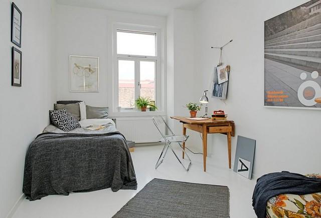 Mặc dù diện tích không lớn nhưng căn hộ cũng có 2 phòng ngủ riêng biệt một phòng đơn và 1 phòng đôi.