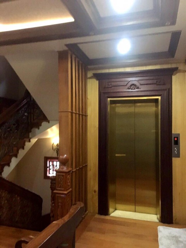 Căn biệt thự có thang máy.