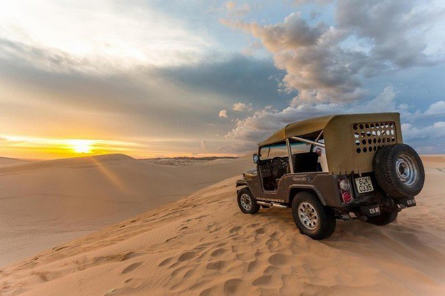Xe Jeep có người lái cho mình, 600k/4 người/1 giờ nhé