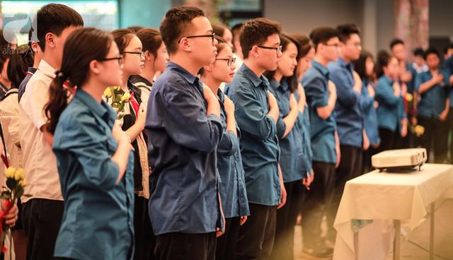 Những hình ảnh xúc động trong lễ tang nhà giáo Văn Như Cương - Ảnh 19.