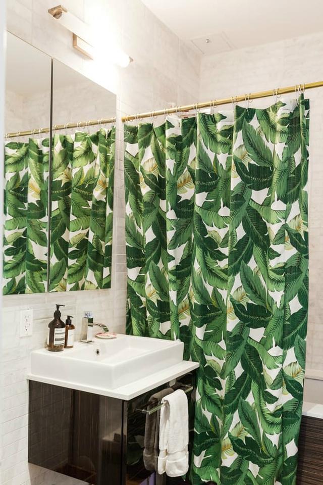 Không gian phòng tắm nhỏ nhưng khá gọn và sạch.