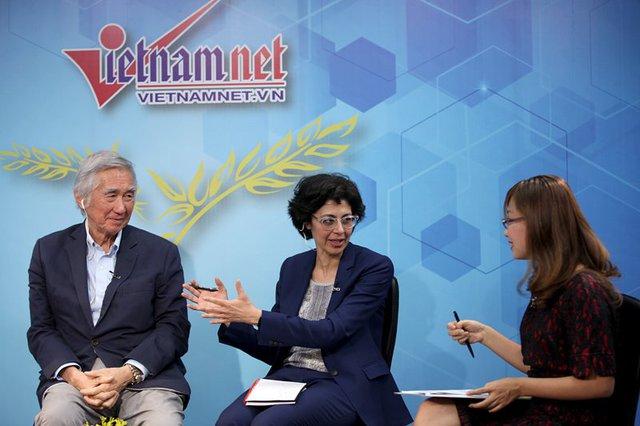 TS Liu Thai Ker và TS Sumila Gulyani chia sẻ tại Góc nhìn thẳng (ảnh: Lê Anh Dũng)