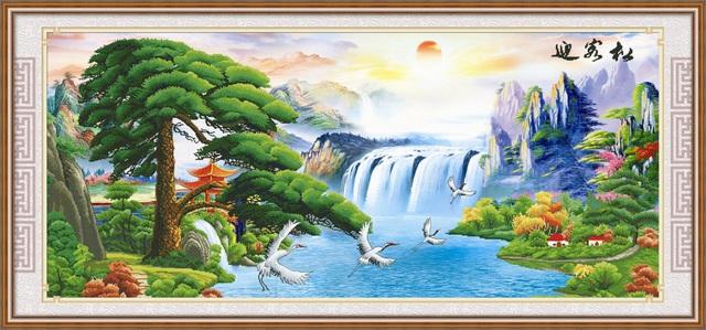 Tranh Tùng hạc diên niên là biểu tượng cho sự trường thọ, thịnh vượng.