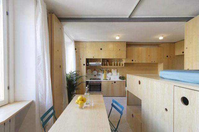 Nhờ việc tận dụng tối đa từng centimet, cân nhắc tỉ mỉ trong thiết kế và sử dụng hiệu ứng ánh sáng khiến căn hộ có cảm giác rộng rãi hơn nhiều so với diện tích thực.