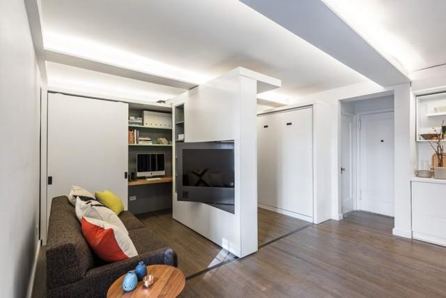 Điểm ấn tượng nhất của ngôi nhà này đó là bức tường trượt đa năng. Nó được thiết kế đặc biệt với đường ray có thể dễ dàng di chuyển theo ý muốn chủ nhà.