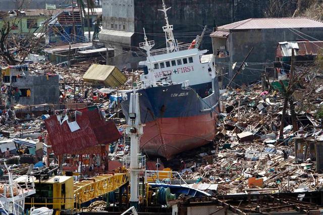 Bão Haiyan khiến 6000 người thiệt mạng tại Philippines