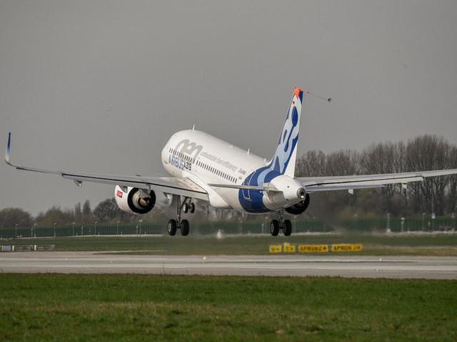 Chuyến bay đầu tiên của chiếc Airbus ACJ319neo.