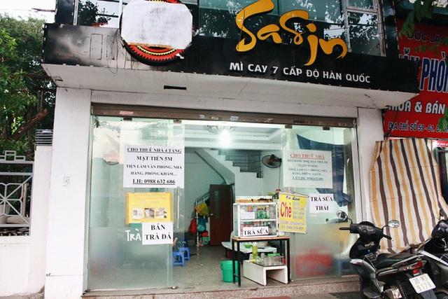 Một vài quán mỳ cay đã phải đóng cửa.