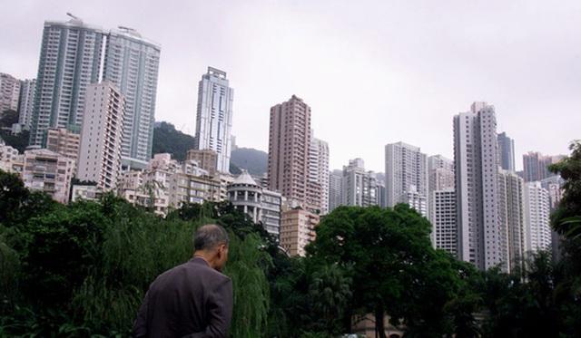 Thị trường bất động sản Hồng Kông cũng bị ảnh hưởng. Ảnh: SCMP
