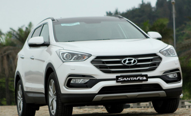 Hyundai Santa Fe là mẫu xe luôn nhận được nhiều ưu đãi.