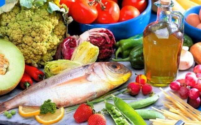 Gan nhiễm mỡ và kháng insulin giảm nhiều khi áp dụng chế độ ăn Địa Trung Hải