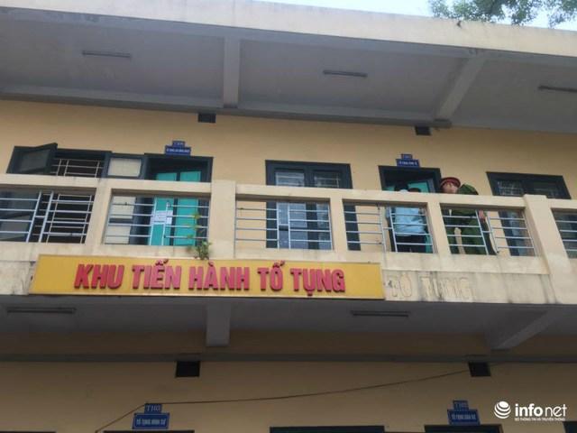 Giống như những lần trước, nguyên TGĐ OceanBank và nguyên Chủ tịch PVN Nguyễn Xuân Sơn xuất hiện với vẻ mặt tươi cười.