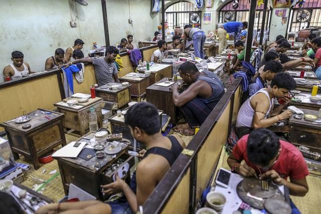Những cửa hàng vàng nhỏ truyền thống sẽ dần mai một tại Ấn Độ