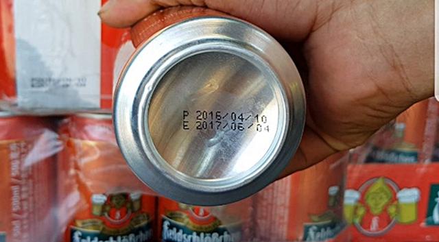 Trên đáy lon bia biểu hiện rõ số bia này đã hết hạn sử dụng.