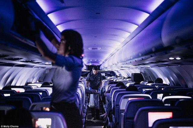 Công việc của các nhân viên hàng không không hề dễ dàng.