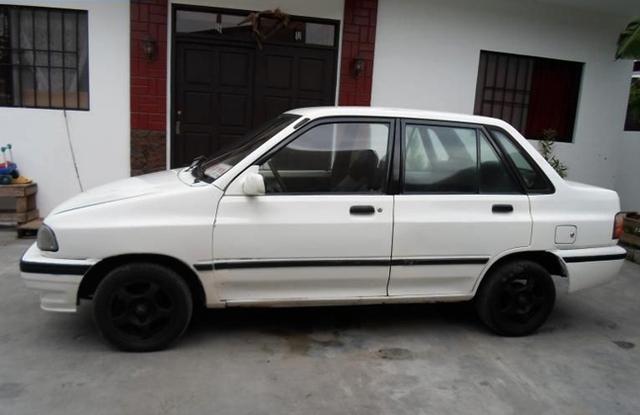 Ưu điểm của những chiếc xe này là có giá rẻ, vừa túi tiền và thỏa ước mơ lên đời xế hộp của nhiều người.