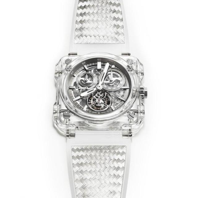 Chiếc đồng hồ Bell & Ross BR –X1 có sự tinh xảo trong những chuyển động với bộ biến bay tourbillon bên trong tinh thể đá sapphire trong suốt($495,000). )