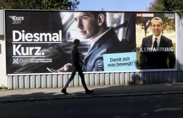 Ảnh ông Kurz trên một tấm áp phích về cuộc bầu cử. (Ảnh: AP)
