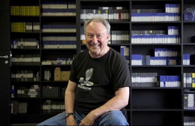 Nhà sản xuất Barry Broman. Ảnh: AP