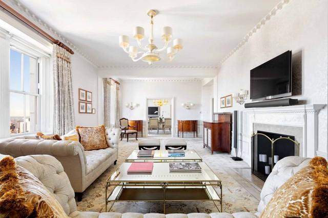 Khi thuê căn hộ này, khách hàng sẽ được hưởng đầy đủ tất cả các dịch vụ tiện ích đẳng cấp của khách sạn 5 sao. Ngoài ra còn có nhân viên sẵn sàng hướng dẫn 24/7.