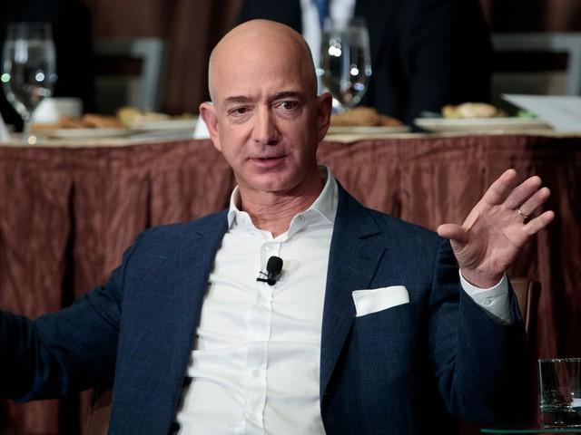 Jeff Bezos, CEO của Amazon.