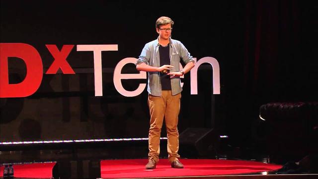 Triệu phú trẻ tuổi trong một bài thuyết trình tại TED